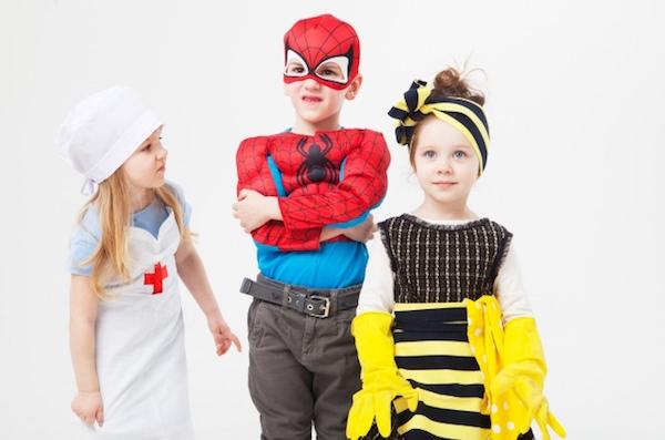 三人の外国人子供