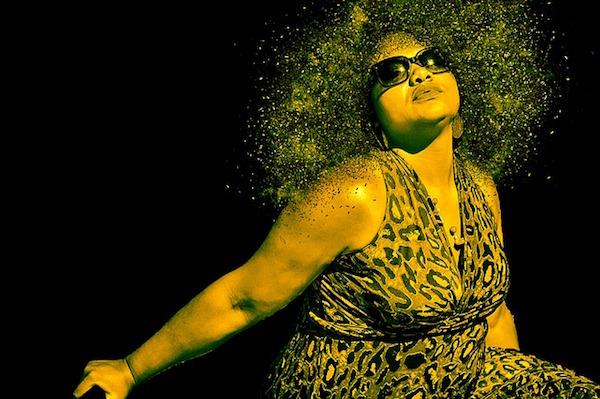 太っている黒人女性